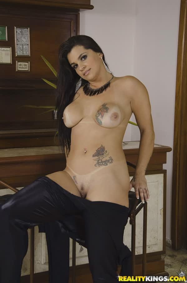 cristine-castellari-mostra-as-belas-tatuagem-4