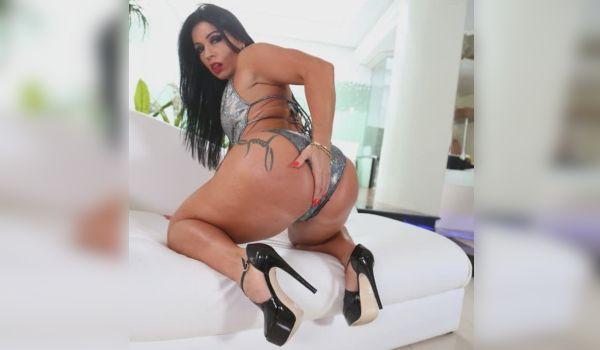 Monica Santhiago uma brasileira bem gostosa