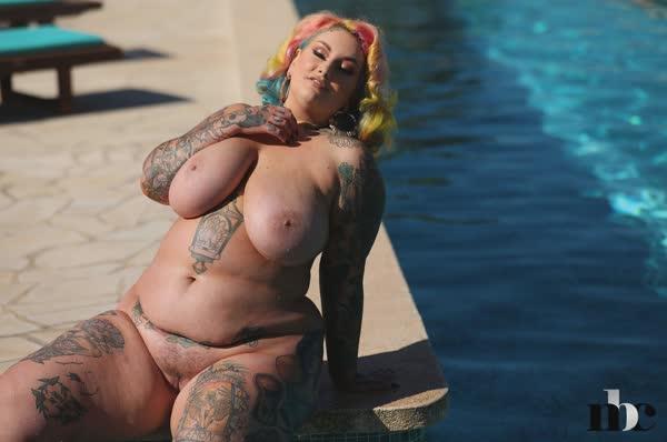 gordinha-tatuada-ficou-peladinha-17