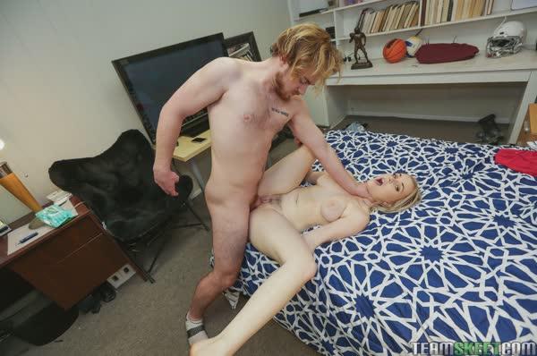 novinha-branquinha-quer-sexo-12