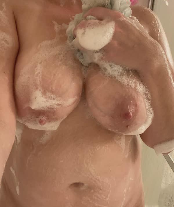 amadora-lavou-os-peitos-10