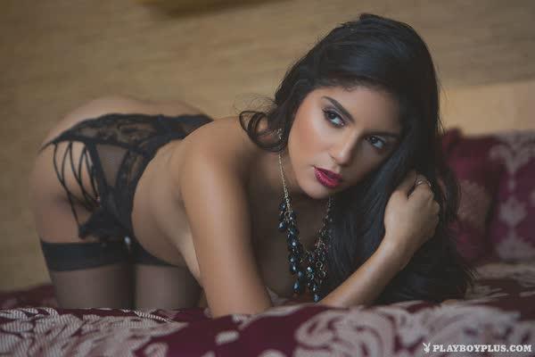 linda-morena-sexy-de-lingerie-15