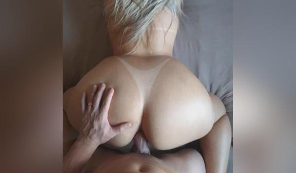 Imagem para Loira amadora viciada em sexo anal