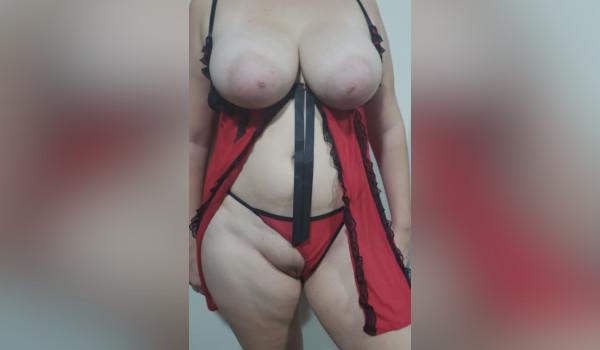 Imagem para Branquinha tetuda so de lingerie