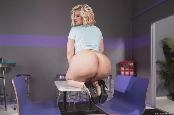 julie-cash-em-fotos-porno-24