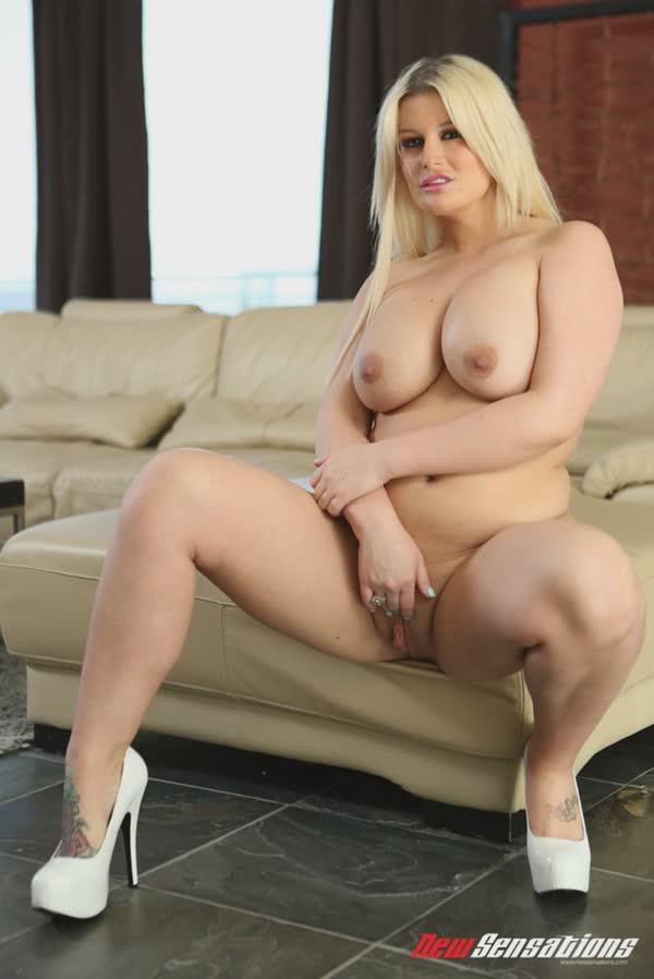 julie-cash-em-fotos-porno-70